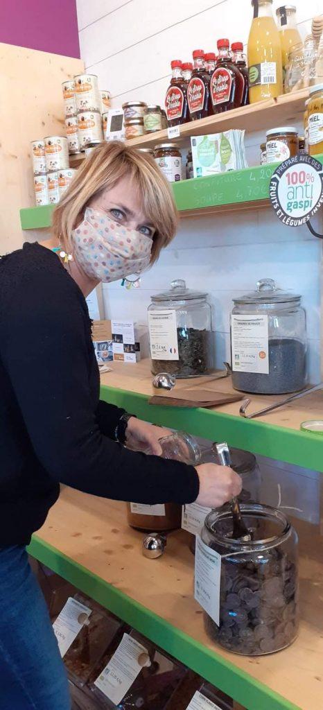 Sandrine a lancé sa campagne participative sur MiiMOSA pour lancer son épicerie vrac.