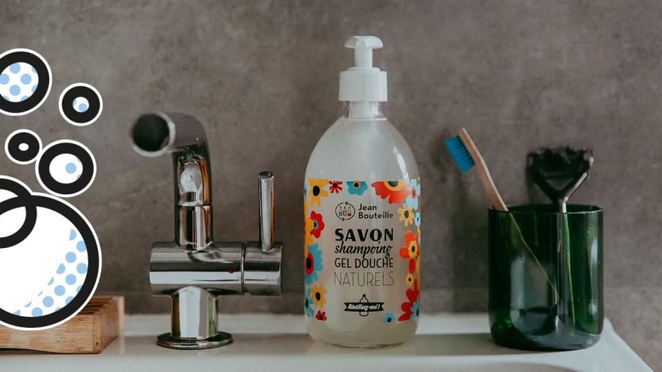 Pour une salle de bains zéro déchet, découvrez nos shampoings en vrac, gels douche en vrac et savons en vrac