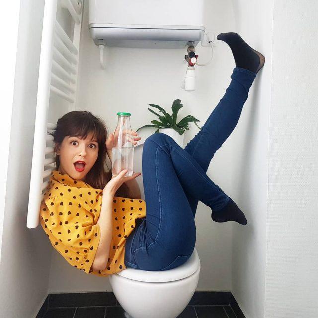 Girl Go Green détourne les codes habituels pour provoquer une prise de conscience écologique.
