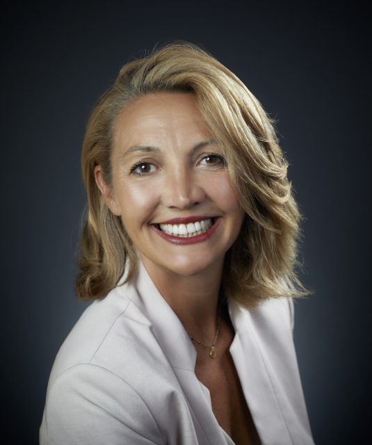 Portrait de Corinne Fugier Garrel, directrice innovation de l'Occitane en Provence