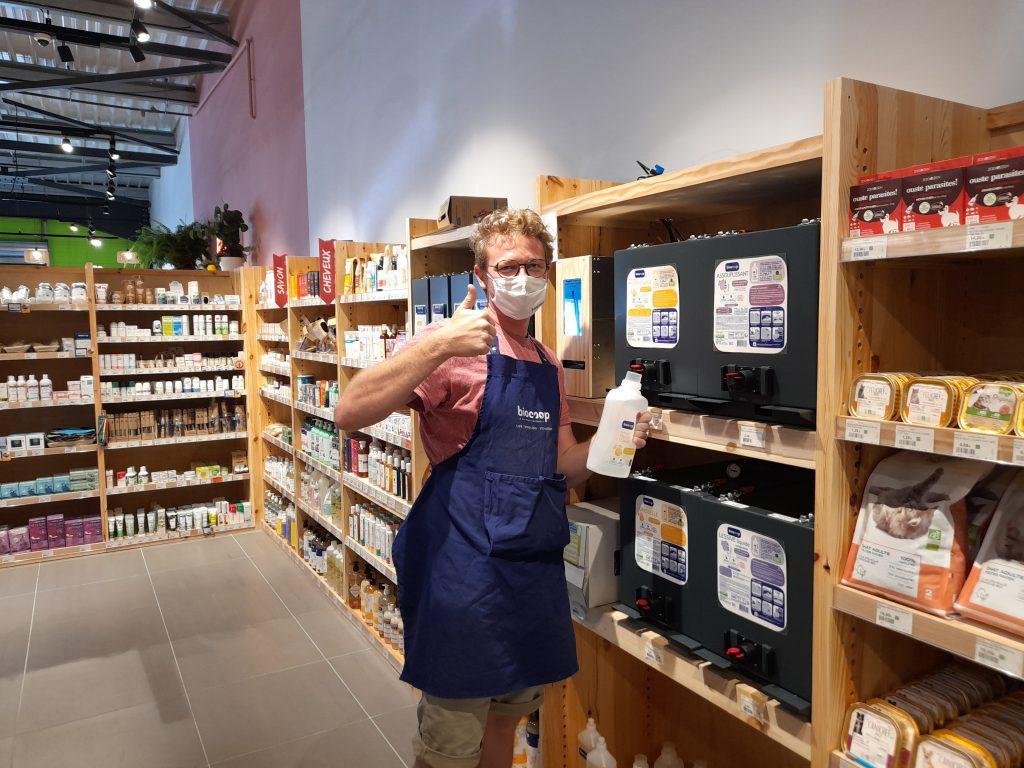 Jean Bouteille accompagne les magasins bio Biocoop pour leurs rayons vrac liquide