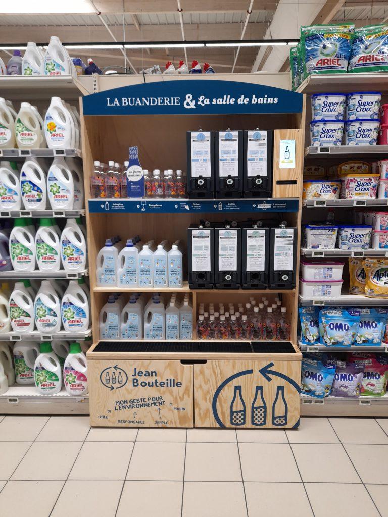 Intermarché Rostrenen propose désormais un rayon vrac liquide Jean Bouteille pour ses clients