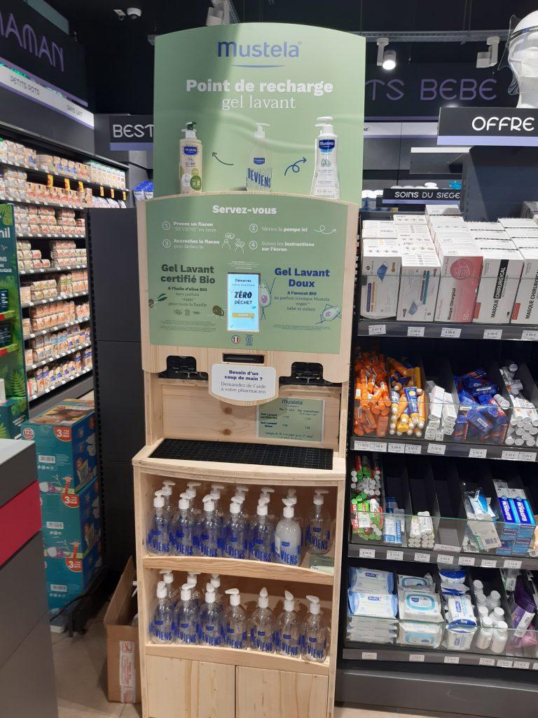Station de recharge vrac Mustela concue par le service Bulk for Brands de Jean Bouteille