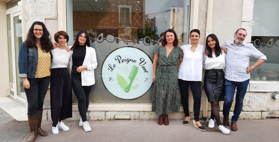 L'équipe au complet du salon de coiffure éco responsable Le Peigne Vert